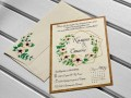 Сватбена покана в екрю с нежни цветя в бледо розово и зелено и златен геометричен акцент