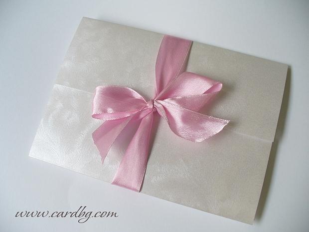 Сватбени покани ръчна изработка в бяло и розово