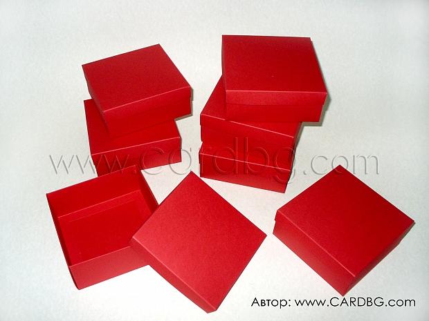 Квадратни червени кутии  12x12x5  25 броя в пакет