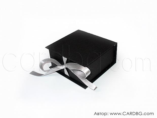 Малка луксозна каширана кутия черна р-р 8х8х4 см № SHBR 01
