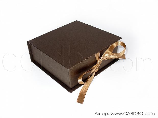 Малка каширана кутия в тъмно кафява перла 11х11х4 см № SHBR 02