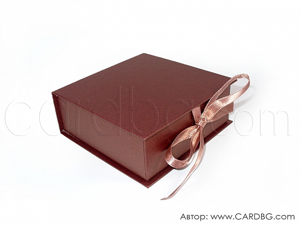 Малка каширана кутия в перлено бордо 11х11х4 см № SHBR 02