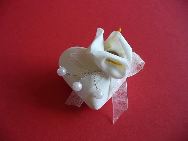 Подарък за гостите сърце с украса