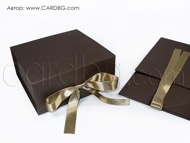 Квадратна кутия в тъмно кафяв цвят р-р 19х19х9 см код HCB sq 02