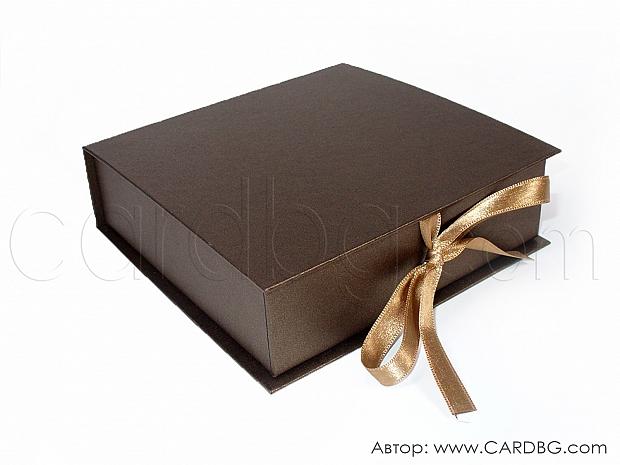 Кутия от тъмно кафява перла 14х14х4 см № SHBR 03