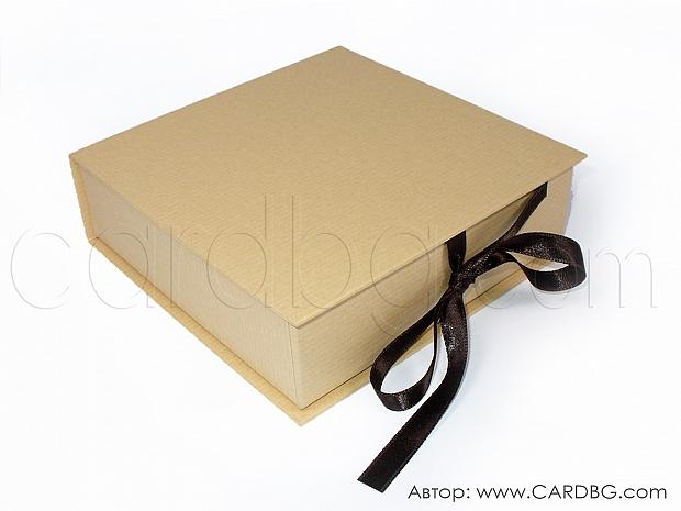 Кутия в цвят крафт 14х14х4 см № SHBR 03