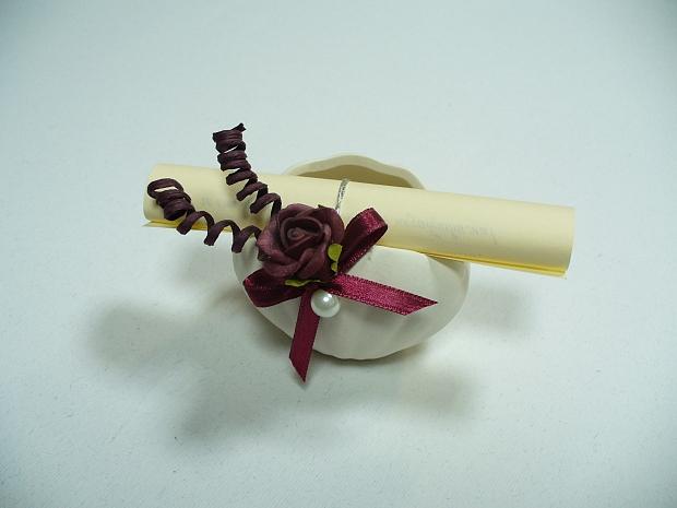 Подарък мида със свитън в бордо