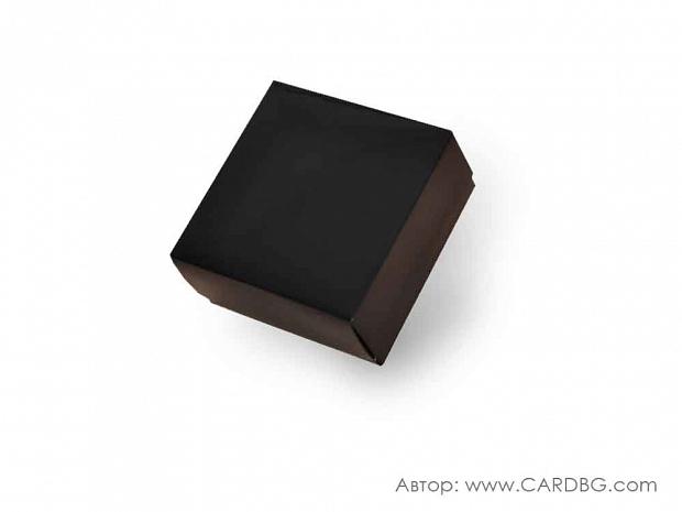 Луксозна картонена кутия с лак и отделен капак черна 15х15х7 см