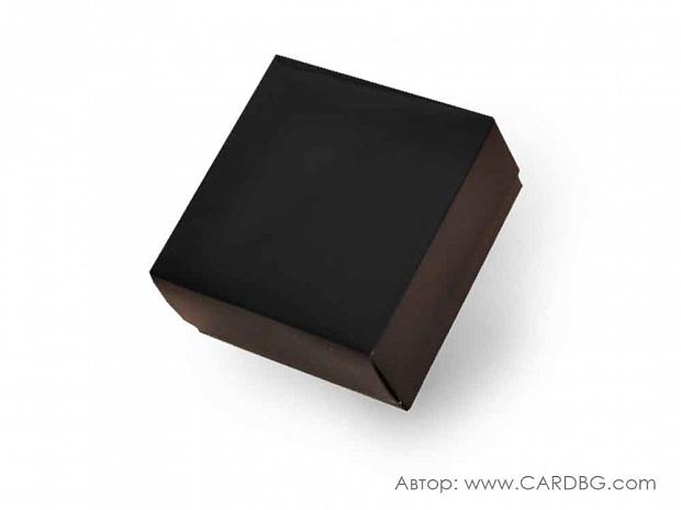Луксозна картонена кутия с лак и отделен капак черна 22х22х8 см