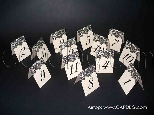Стилни картички с номера в цвят перлена праскова и черни елементи