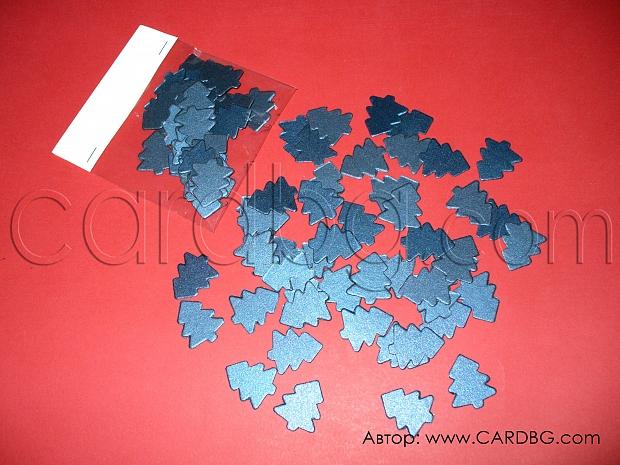 Малки изрязани елхи от син перлен картон 50 бр в пакет