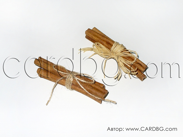 Снопче естествени канелени пръчки вързани с канап или рафия