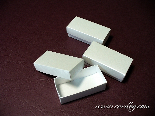 Малка кутия подходяща за usb памет, флаш памет 7.5x3.5x2.5 см.