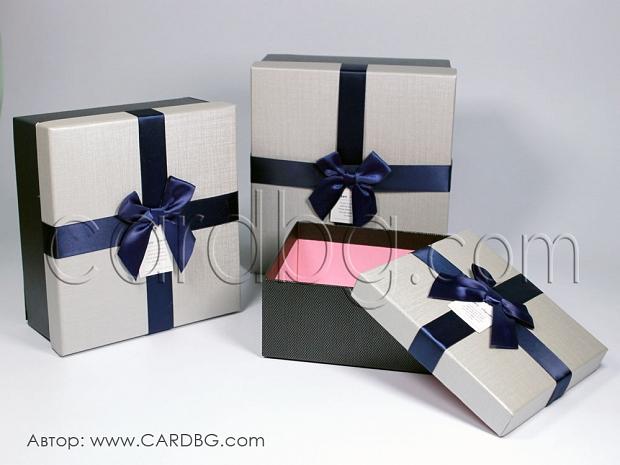 Комплект от 3 броя луксозни квадратни кутии с панделка