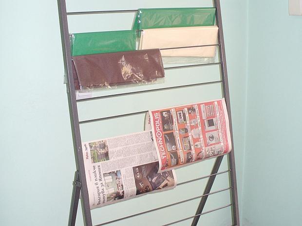 Метална стойка, щендер за излагане на хартия, вестници, списания