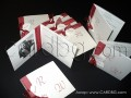 Стилни покани в бяло и бордо със снимка