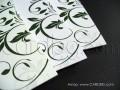 Покани в бяло и варианти на зелен цвят